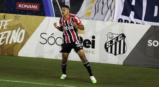 Gabriel Sara fez dois gols para o São Paulo contra o Santos
