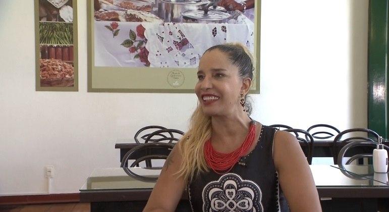 Sarajane relembra grandes sucessos da carreira e fala sobre momento difícil