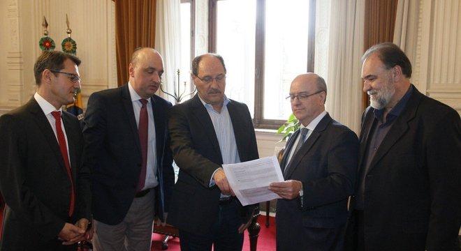 Sartori garantiu que contratações não vão afetar esforços para equilibrar contas do RS Crédito: Palácio Piratini / Divulgação CP