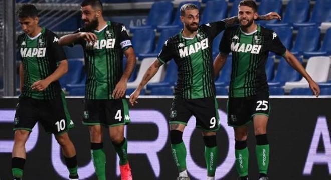 Festa do Sassuolo pelo gol de Juricic, 1 X 2