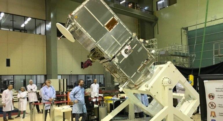 Primeiro satélite 100% brasileiro é lançado neste domingo