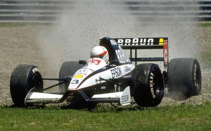Satoru Nakajima era figura carimbada do grid da F1 no fim dos anos 1980 e início dos anos 1990