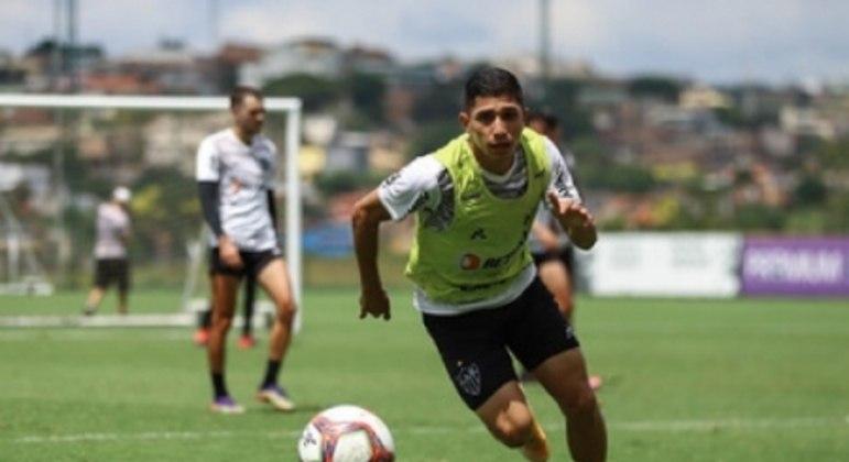 Savarino foi  foi titular contra a Caldense e busca se firmar no time titular