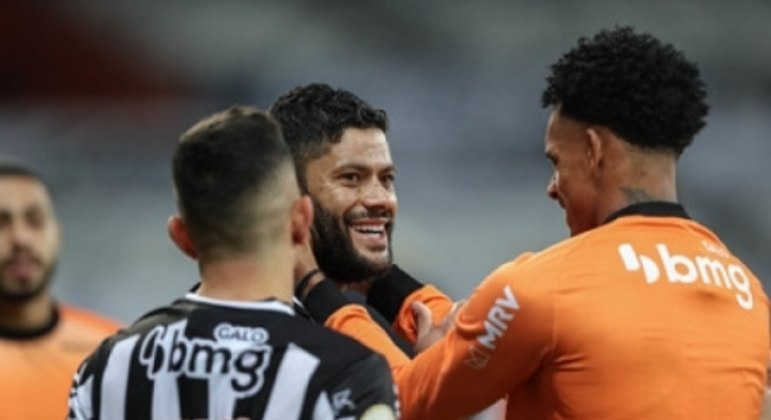 Savarino marcou os  gols do triunfo alvinegro no Gigante da Pampulha