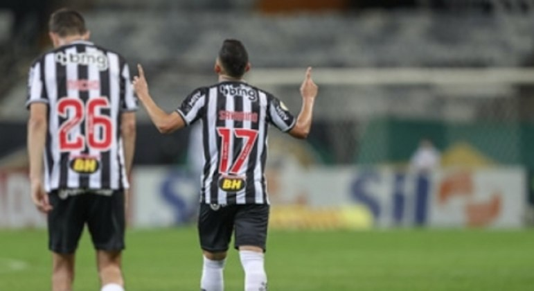 Savarino marcou os  gols do triunfo alvinegro no Gigante da Pampulha em noite inspirada do Galo