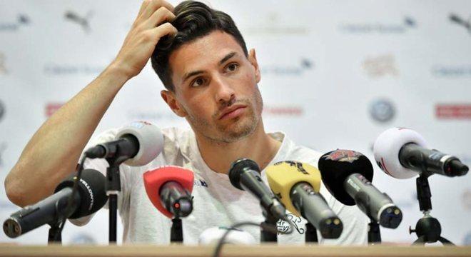 Schär (29 anos) - Clube atual: Newcastle - Posição: zagueiro - Valor de mercado: 13 milhões de euros