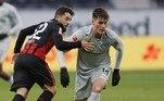 O terceiro colocado, o Bayer de Leverkusen, perdeu a chance de se manter na vice-liderança ao ser derrotado, também no sábado, pelo Eintracht Frankfurt, na casa do adversário, por 2 a 1