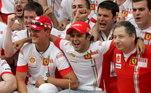 Felipe Massa também falou sobre o estado de saúde de Schumacher ao canal FOX Sports.'Eu sei como ele está, tenho informações, minha relação sempre foi muito próxima com ele. Acho que o principal de tudo isso, nós sabemos que a situação dele não é fácil, ele está em uma fase difícil, só que temos que ter o respeito, como eu tenho com a família. Eles não gostam de soltar nenhuma informação, e quem sou para fazer isso?', disse o piloto Stock Car