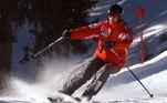 Enquanto esquiava em Meribel, na França, o alemão bateu em uma pedra, caiu e chocou a cabeça em outra rocha, mais à frente. Segundo relatos, o impacto foi tão forte que o capacete que o piloto usava quebrou