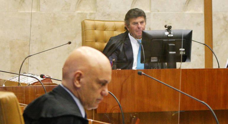 Ministro Alexandre de Moraes (em primeiro plano) se manteve no caso