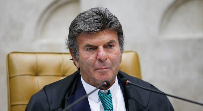 O presidente do STF, ministro Luiz Fux, que concedeu parte da liminar pedida pela defesa