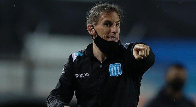 Sebastián Beccacece: Treinador argentino de 40 anos. Deixou o Racing (ARG) em dezembro. Ex-assistente de assistente Jorge Sampaoli, ganhou destaque como técnico ao desenvolver um jogo ofensivo no Defensa y Justicia (ARG). No ano passado, comandou o Racing na eliminação do Flamengo na Copa Libertadores.