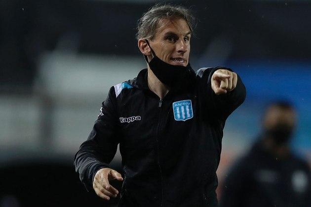 Sebastián Beccacece: Treinador argentino de 40 anos. Ex-assistente de Jorge Sampaoli, ganhou destaque como técnico ao desenvolver um jogo ofensivo no Defensa y Justicia (ARG). No ano passado, comandou o Racing na eliminação do Flamengo na Copa Libertadores