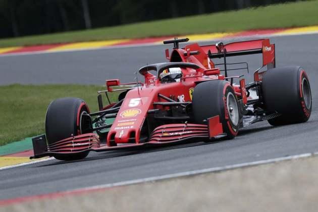 Sebastian Vettel escapou por pouco do Q1 e larga em 14º (Foto: AFP)