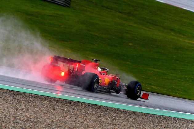 Sebastian Vettel fez apenas o décimo tempo neste sábado