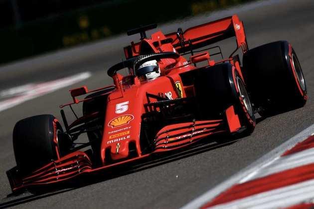 Sebastian Vettel ficou no top-10 após tanto sofrer em treinos em 2020