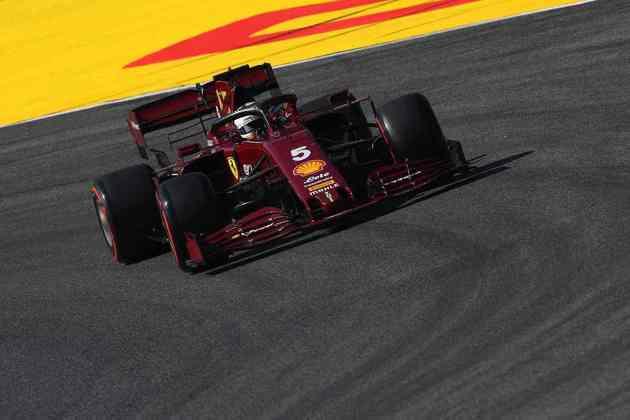 Sebastian Vettel mostrou fraco rendimento, mas ainda foi o décimo em Mugello