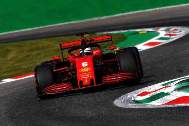 Sebastian Vettel não conseguiu ficar entre os dez primeiros no TL2