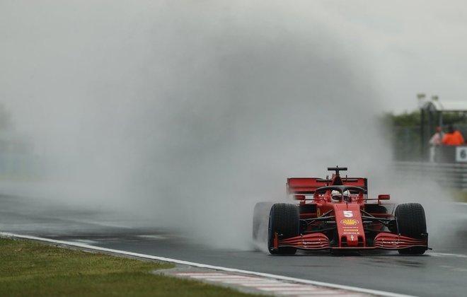 Sebastian Vettel, o mais rápido do dia na Hungria