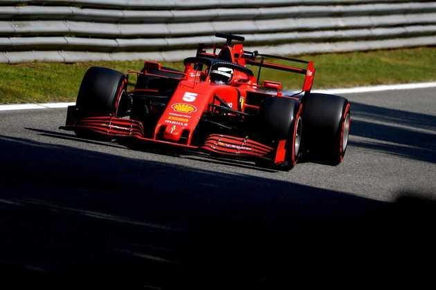 Sebastian Vettel reclamou muito do tráfego em sua tentativa final no Q1
