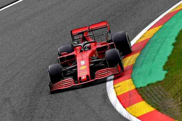 Sebastian Vettel terminou o primeiro dia de treinos quase dois segundos atrás do líder Max Verstappen