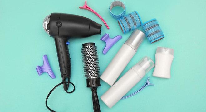 Secador de cabelo: amigo ou vilão dos fios? Saiba tudo sobre seu uso