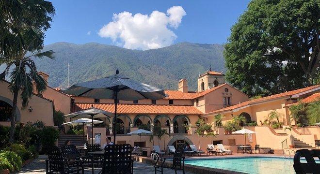 Sede do Caracas Country Club foi desenhada pelo escritório de arquiteto americano que codesenhou o Central Park, de Nova York