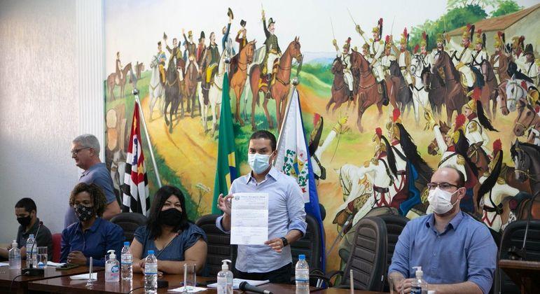 Presidente nacional do Republicanos, Marcos Pereira (ao centro), participa do evento