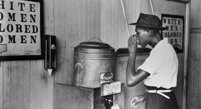 Por décadas, os negros nos EUA foram obrigados a usar espaços segregados