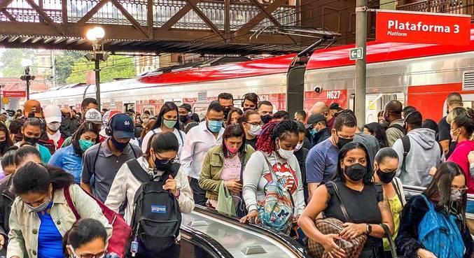 Transporte público está assustador, relatam usuários