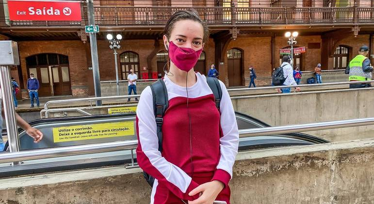 """""""Transporte está assustador, se pudesse não pegaria"""", diz Talita Moreira"""