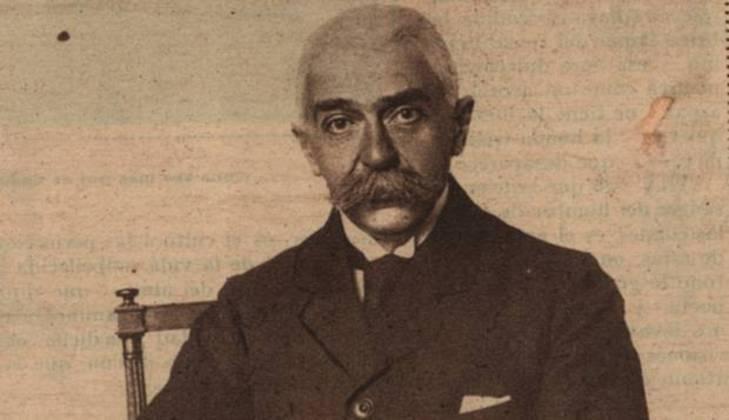 Segundo os registros históricos, o Barão de Coubertin foi pedagogo e tinha uma obstinação por reformar a educação na França, com idealismo. Por esse motivo, recusou a carreira militar.