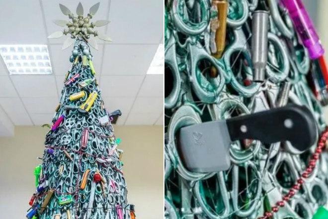 Os seguranças do aeroporto deVilnius, capital da Lituânia, montaram uma árvore de Natal no local com itens confiscados de passageiros antes do embarque