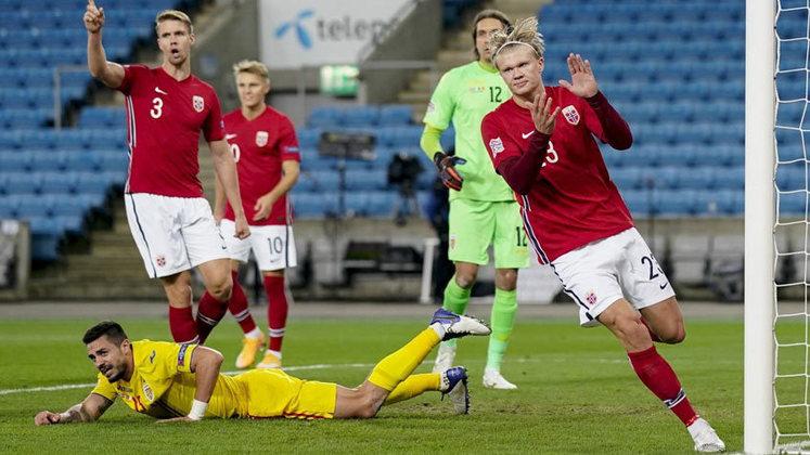 Seja na seleção norueguesa ou no Borussia Dortmund, Haaland só dá uma certeza a seus admiradores: vai continuar quebrando recordes e marcando gols.