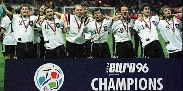 Seleção alemã: três títulos (1972, 1980 e 1996) / Três vices (1976, 1992 e 2008)