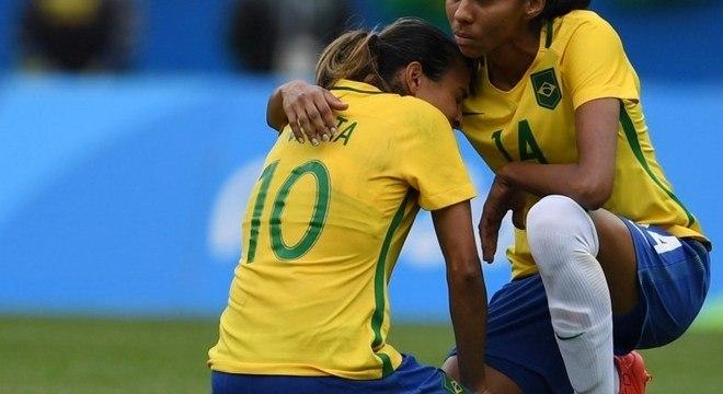 Fracassos da Seleção Brasileira puxam o futebol feminino para baixo