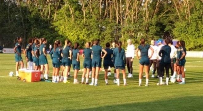Seleção Brasileira Feminina - Primeiro Treino com Pia