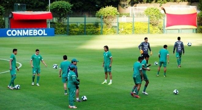 Seleção boliviana chegou nesta terça-feira no CT do São Paulo na Barra Funda