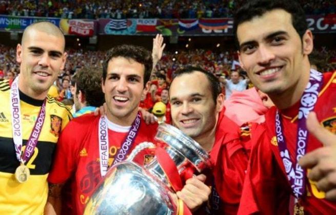 Seleção espanhola: três títulos (1964, 2008 e 2012) / Um vice (1984)