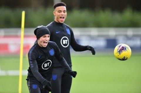 Foden e Greenwood. Jovens talentosos. Desrespeitaram a Seleção Inglesa