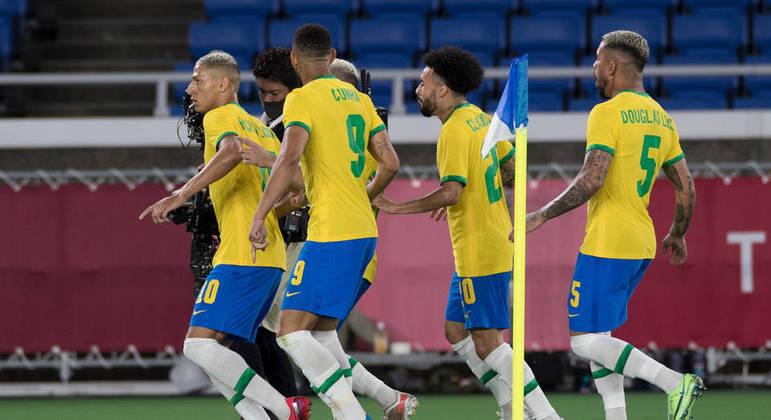 Seleção brasileira de futebol disputa a final masculina contra a Espanha