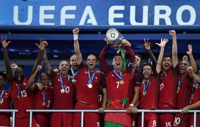Seleção portuguesa: um título (2016) / Um vice (2004)