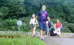 Segundo o tabloide The Sun, aNetwork Rail, que administra as ferrovias britânicas, registrou 433 incidentes graves nas linhas férreas desde o início da pandemia. O aumento nos casos ainda está sob investigação, mas acredita-se que exista alguma relação com o sucesso que fotos e vídeos em linhas férreas fazem no TikTok e InstagramNÃO VÁ EMBORA:Taxidermista amadora faz obra horrenda com gato achado na rua