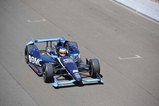 Sem espaço no grid da F1 após a temporada 2011, Rubens Barrichello seguiu para a Indy no ano seguinte e disputou o campeonato com a KV Racing. Foi apenas o 12º colocado e aí seguiu para a Stock Car