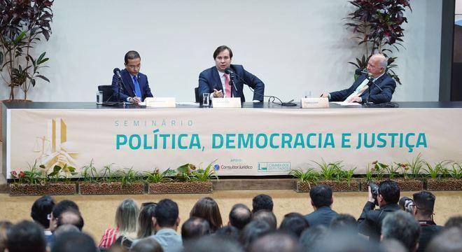 Evento contou com a presença de Rodrigo Maia e do ministro Luís Salomão, do STJ