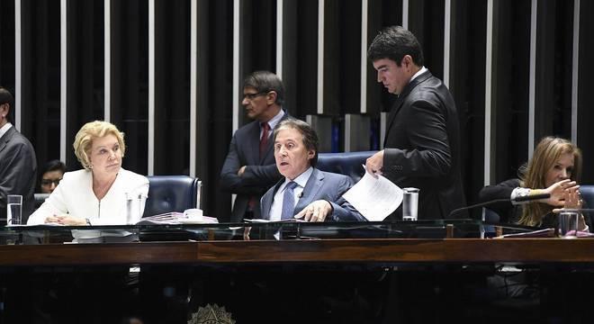 Eunício colocou texto para votação após conversa com Dias Toffoli