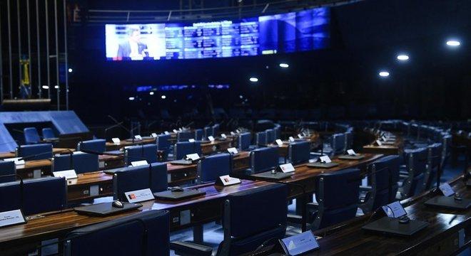 Especialistas ressaltam que qualquer mudança no calendário eleitoral precisaria de aval do Congresso
