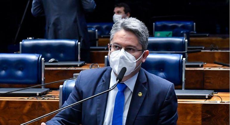 Senador Alessandro Vieira (Cidadania-SE) é autor de pedido de impeachment de Toffoli