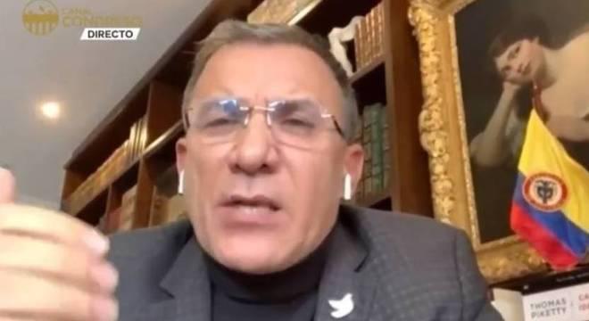 Senador colombiano Roy Barreras denunciou a morte de 36 menores na Colômbia