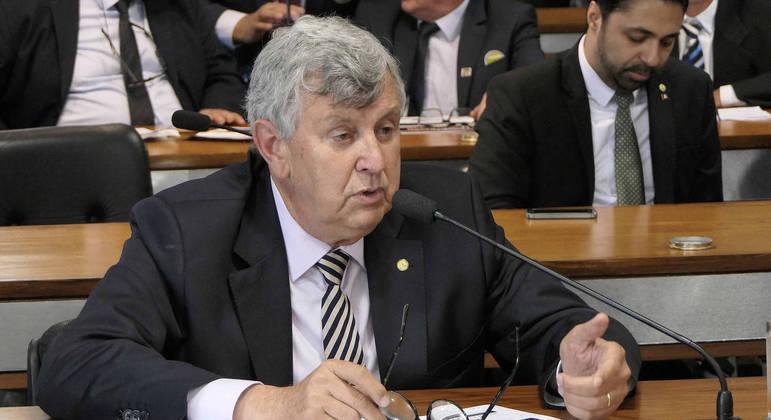 Luiz Carlos Heinze (PP-RS), aliado do governo, ficará no lugar de Ciro Nogueira por uma semana
